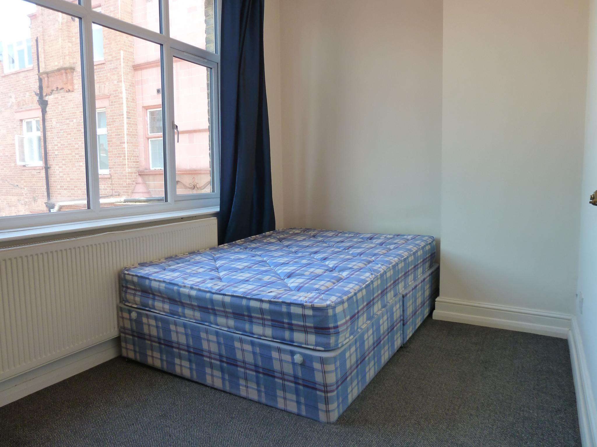 1 bedroom flat flat/apartment To Let in London - Double Bedroom with Fitted Wardrobes