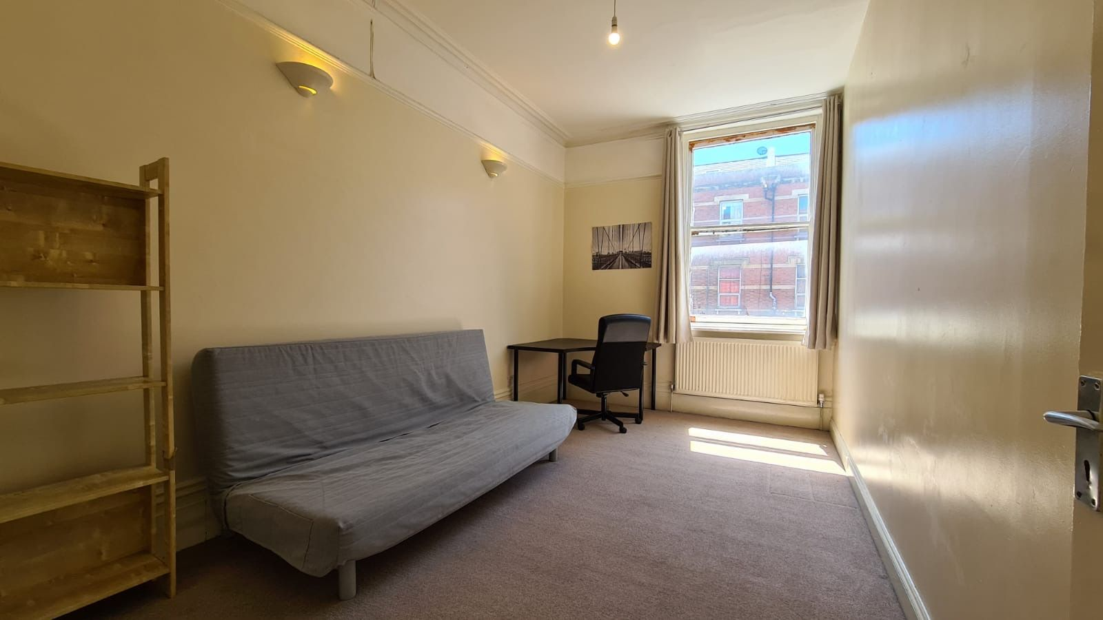 1 bedroom flat flat/apartment Let in Willesden - Large Living Room