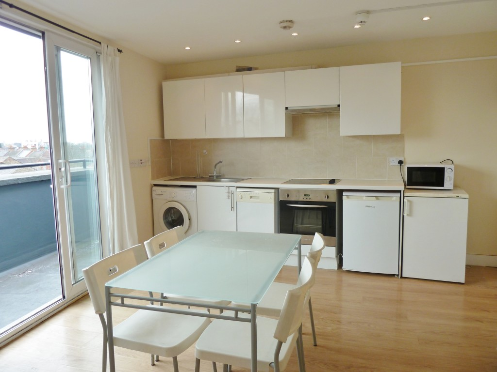 1 bedroom flat flat/apartment Let Agreed in Brent - Open Plan Living-
