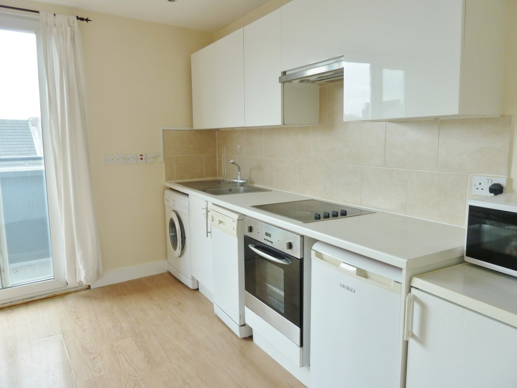 1 bedroom flat flat/apartment To Let in Willesden Green - Fully Fitted Kitchen