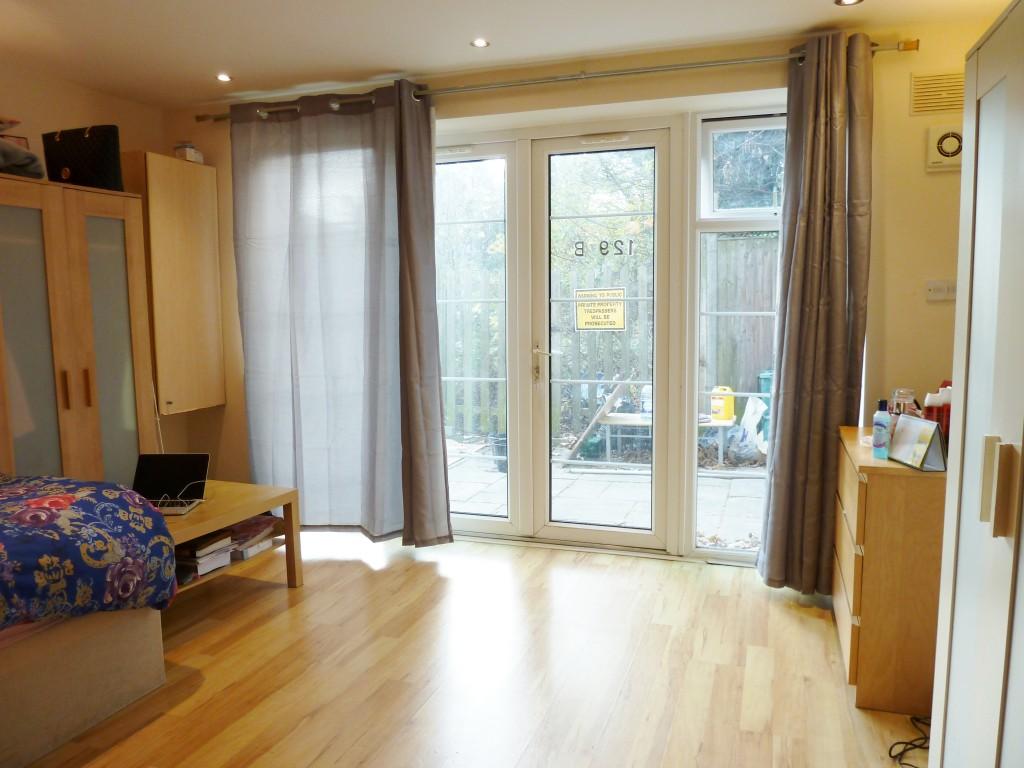 1 bedroom studio flat/apartment To Let in Wembley - BAY DOORS