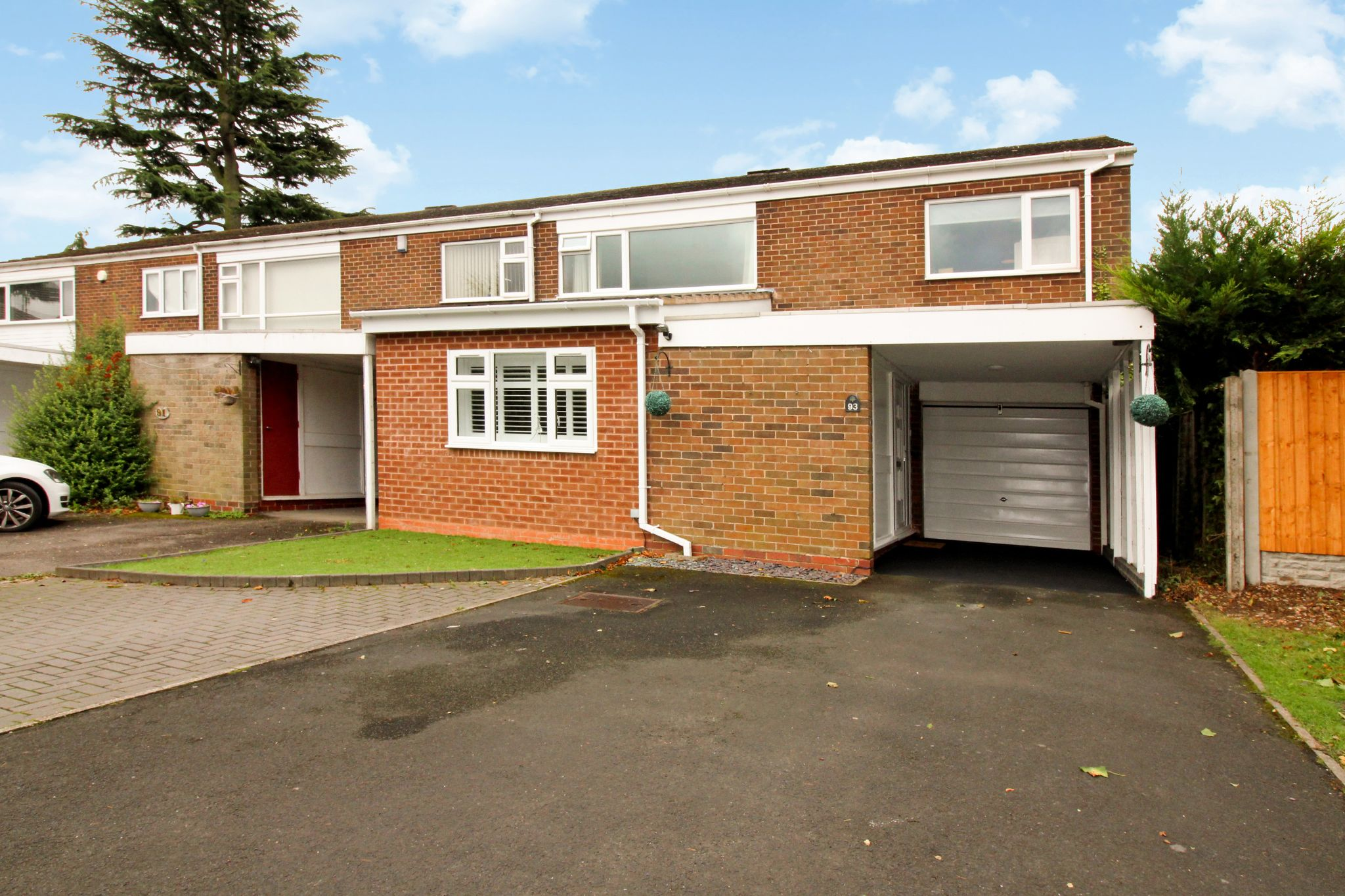 4 bedroom semi-detached house SSTC in Solihull - Photograph 15.
