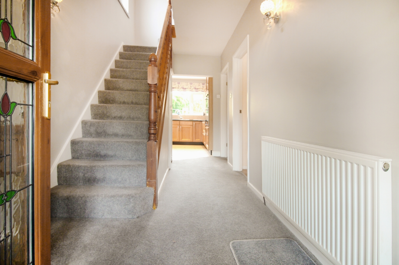 3 bedroom semi-detached house SSTC in Solihull - Photograph 2.