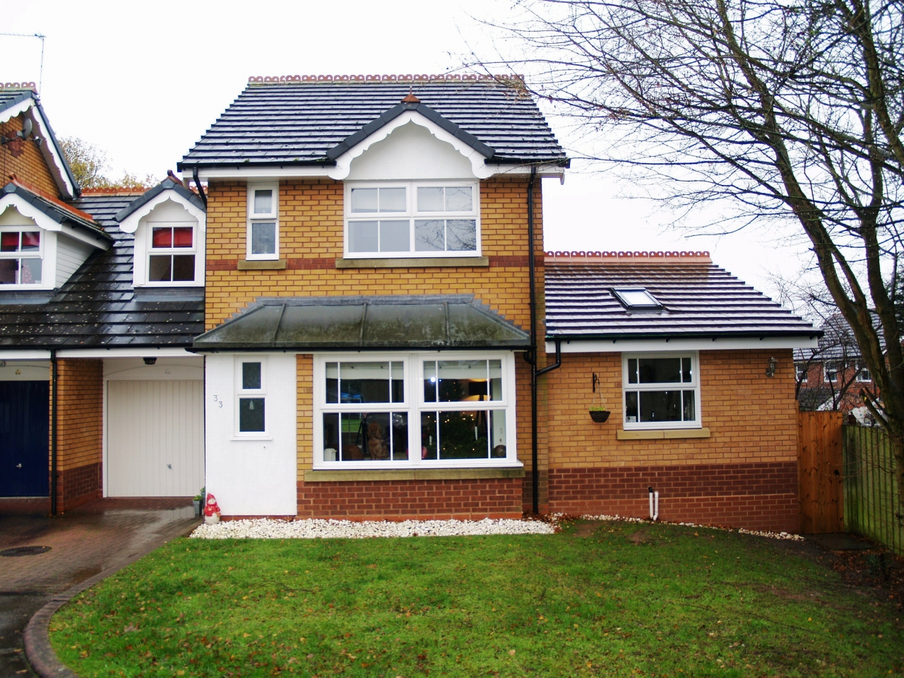 3 bedroom end terraced house SSTC in Solihull - Main Image.