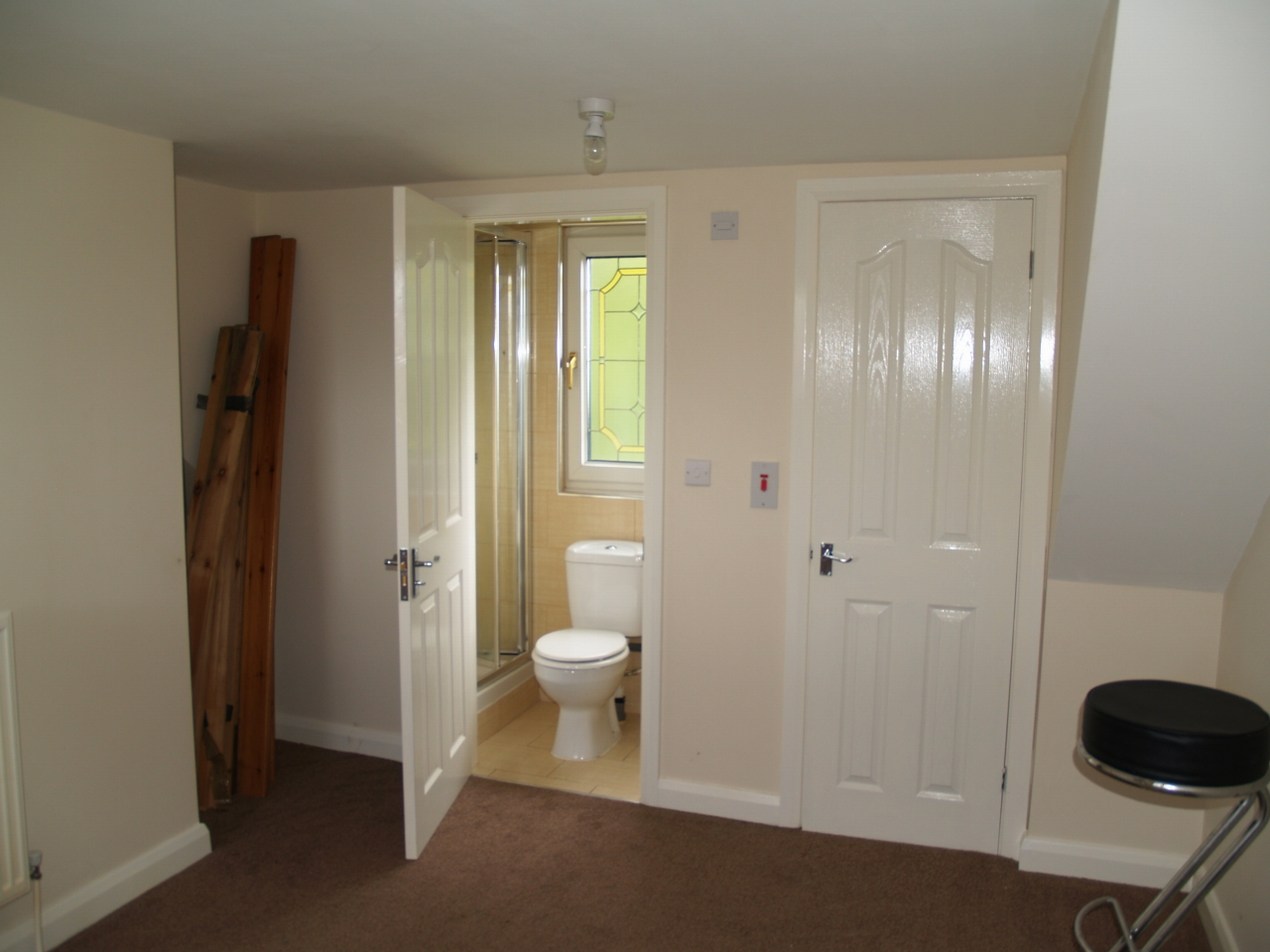3 bedroom mid terraced house For Sale in Birmingham - Photograph 5.
