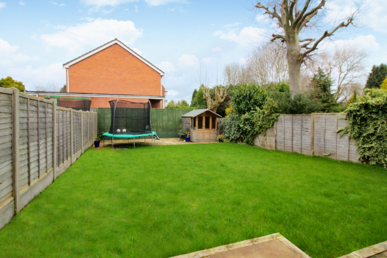 4 bedroom semi-detached house SSTC in Solihull - Photograph 8.