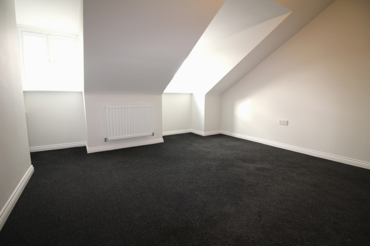 4 bedroom semi-detached house Let Agreed in Birmingham - Photograph 6.