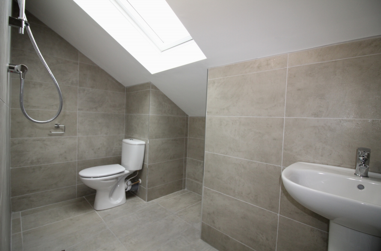 4 bedroom semi-detached house Let Agreed in Birmingham - Photograph 7.