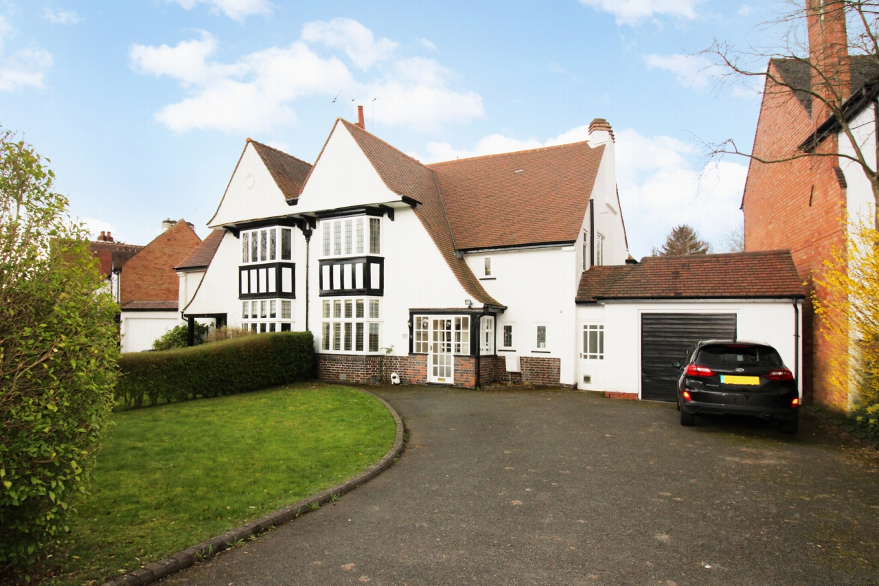 5 bedroom semi-detached house For Sale in Solihull - Photograph 1.