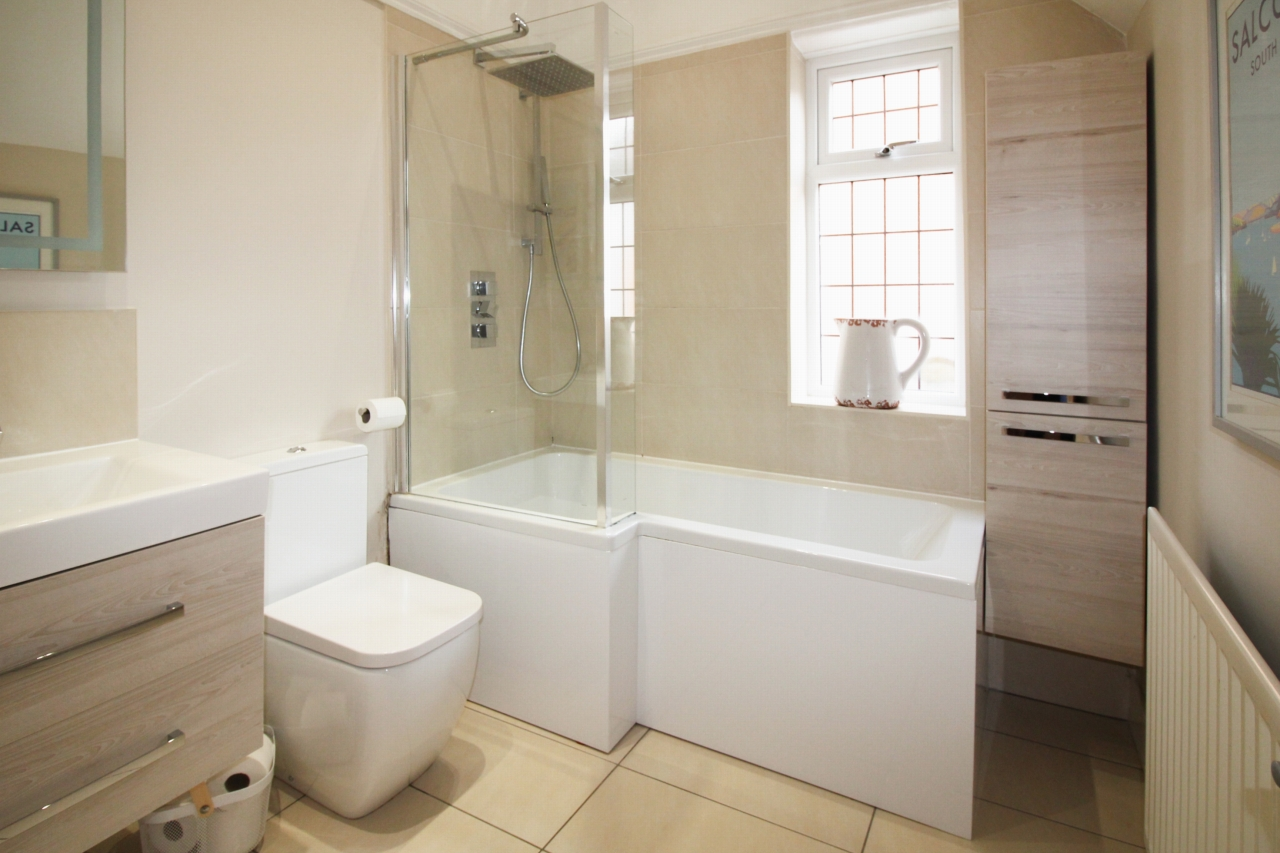 5 bedroom semi-detached house SSTC in Solihull - Photograph 11.