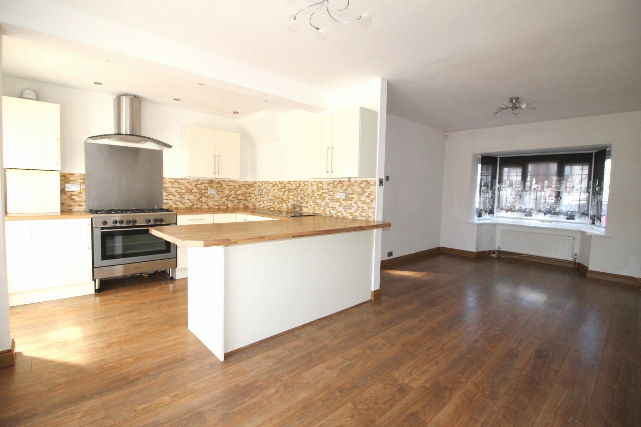 3 bedroom detached house To Let in Solihull - Property photograph.