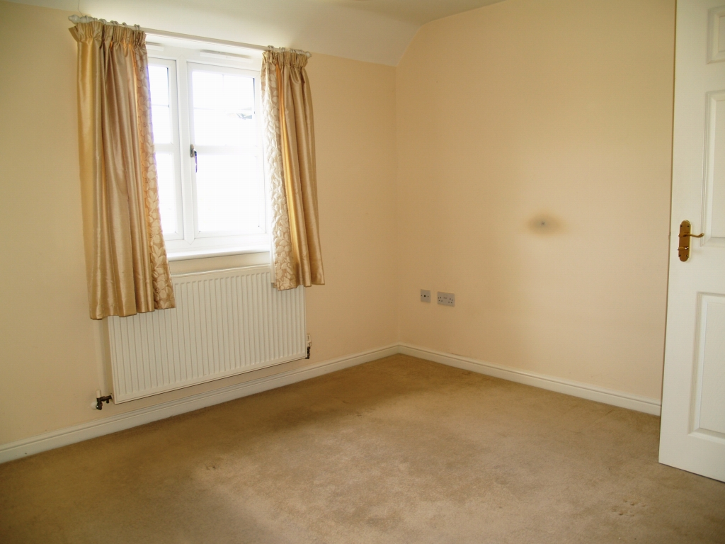3 bedroom second floor apartment Application Made in Solihull - Photograph 5.