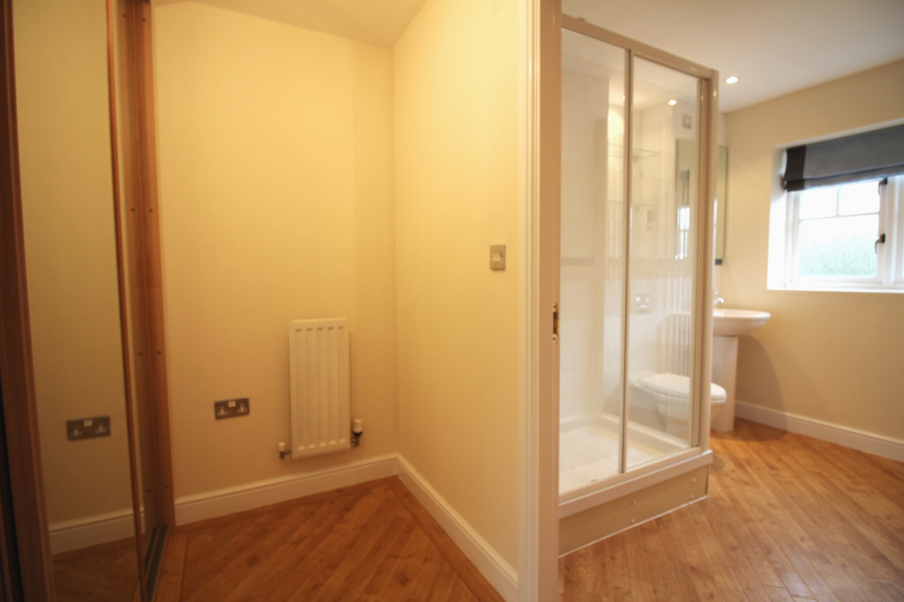 3 bedroom apartment flat/apartment Let Agreed in Solihull - Photograph 6.