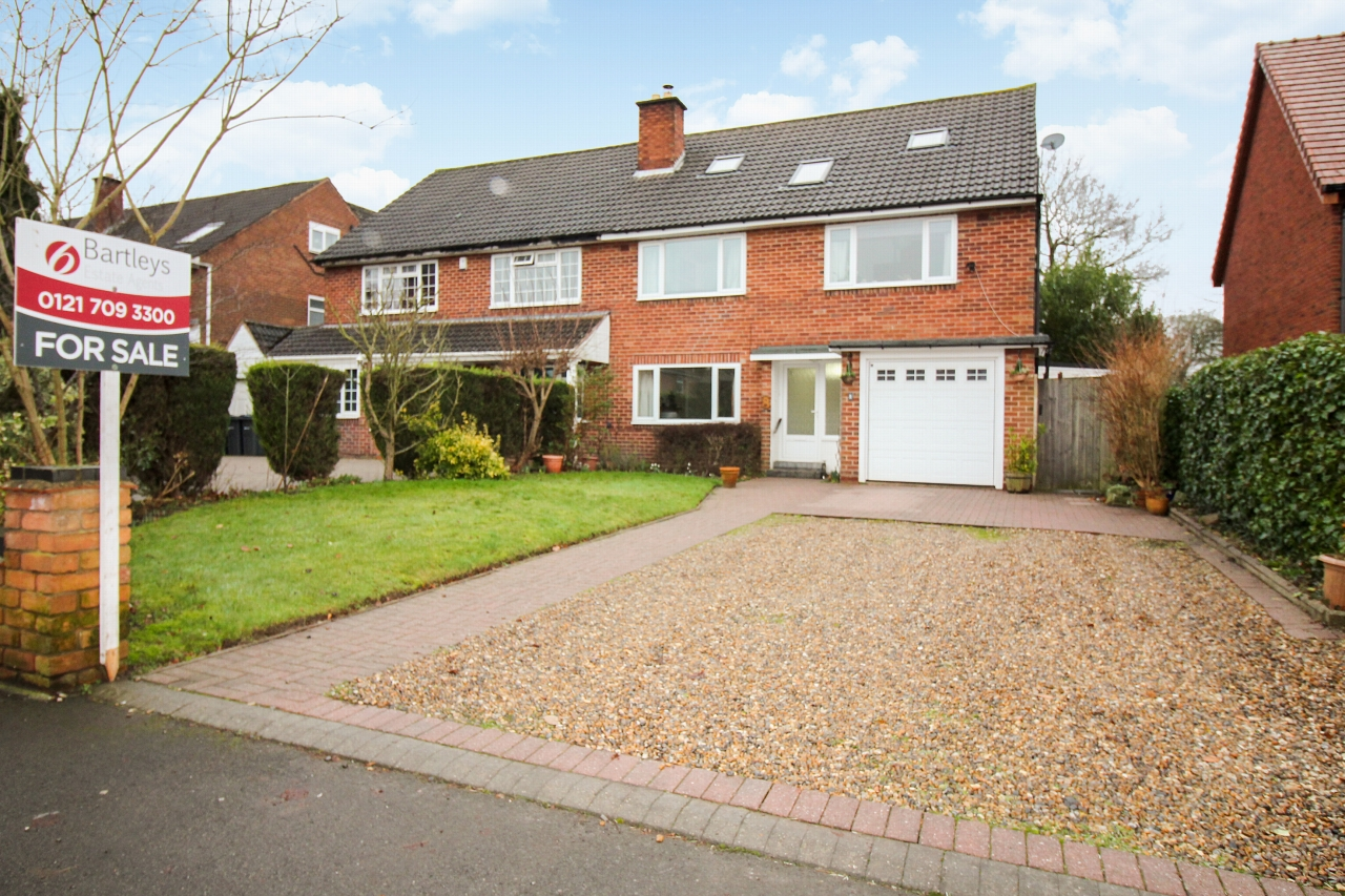 7 bedroom semi-detached house For Sale in Birmingham - Photograph 1.