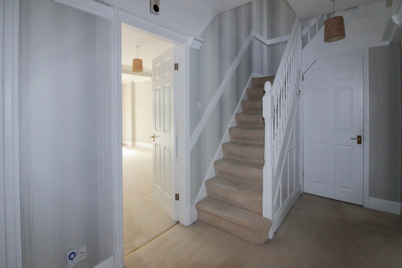 3 bedroom detached house SSTC in Solihull - photograph 3.