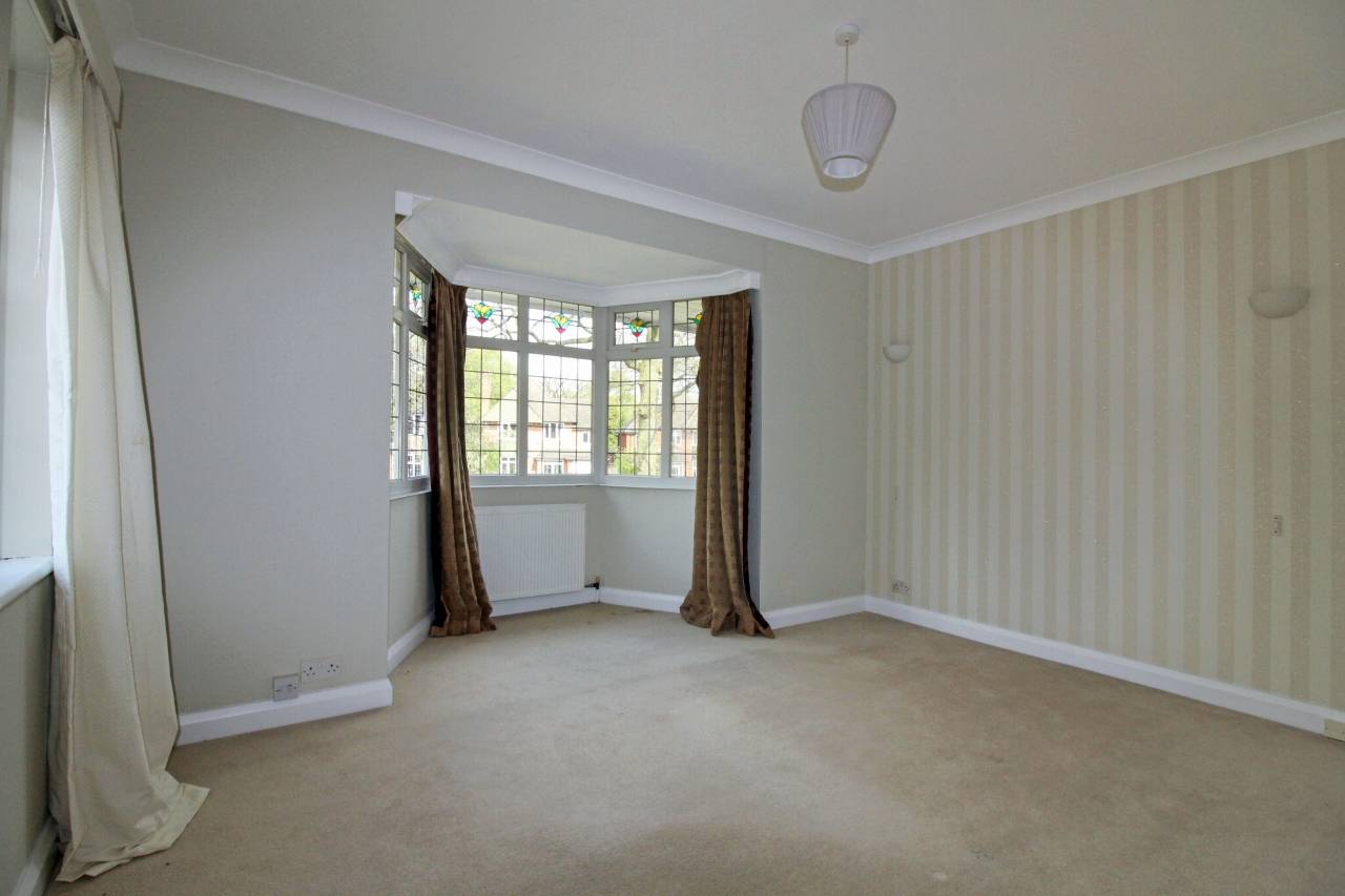 3 bedroom detached house SSTC in Solihull - photograph 13.