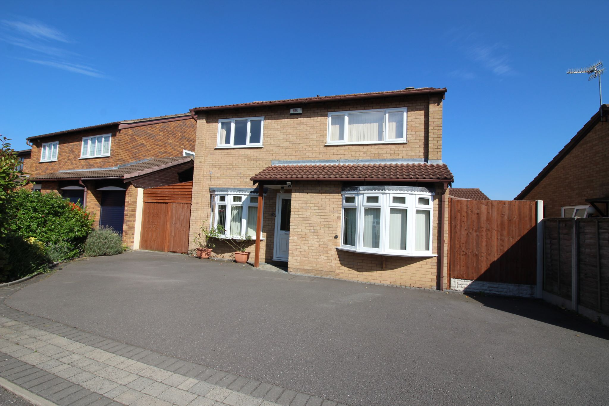4 bedroom detached house To Let in Solihull - Property photograph.