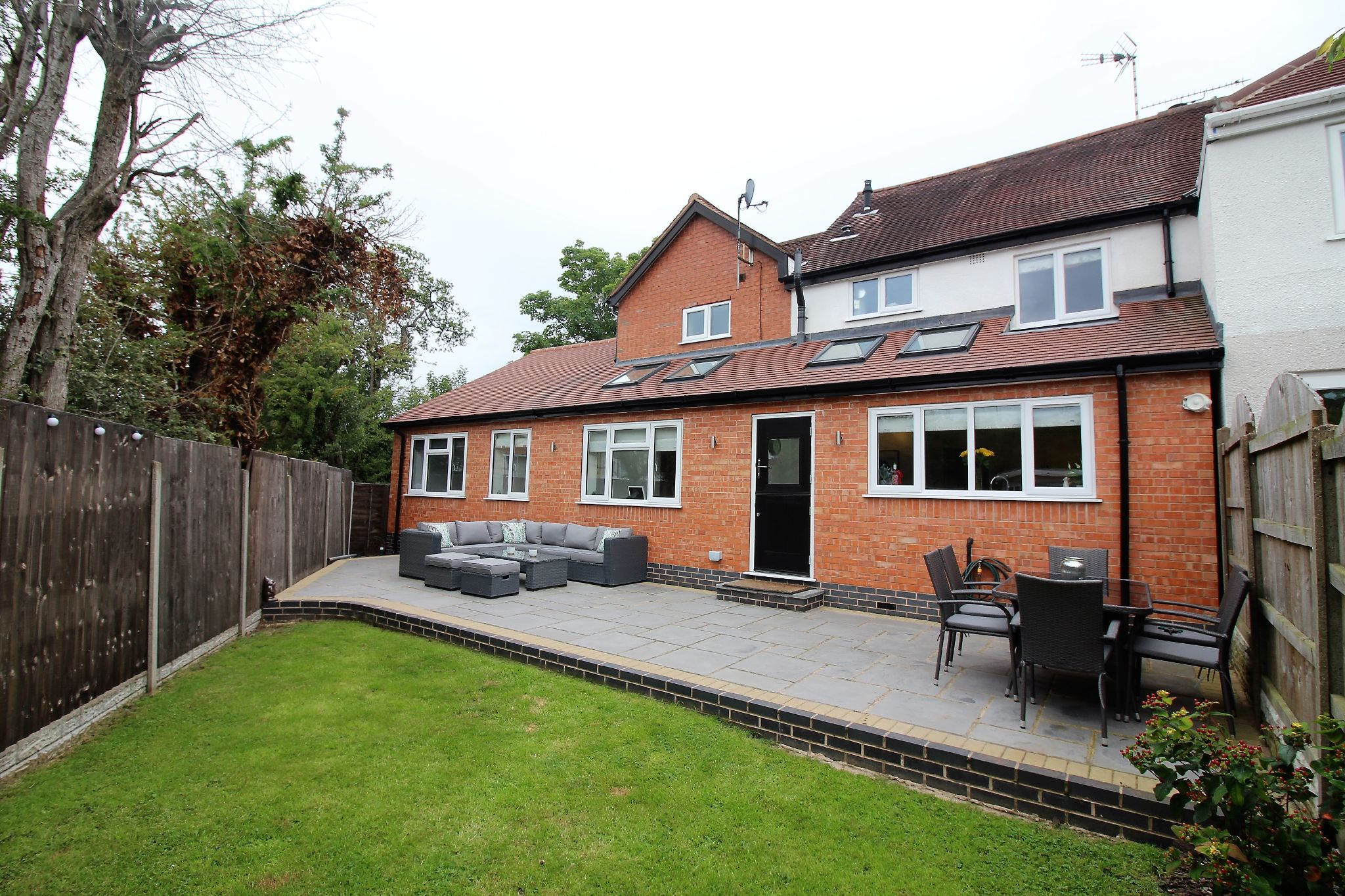 4 bedroom semi-detached house SSTC in Solihull - Photograph 17.