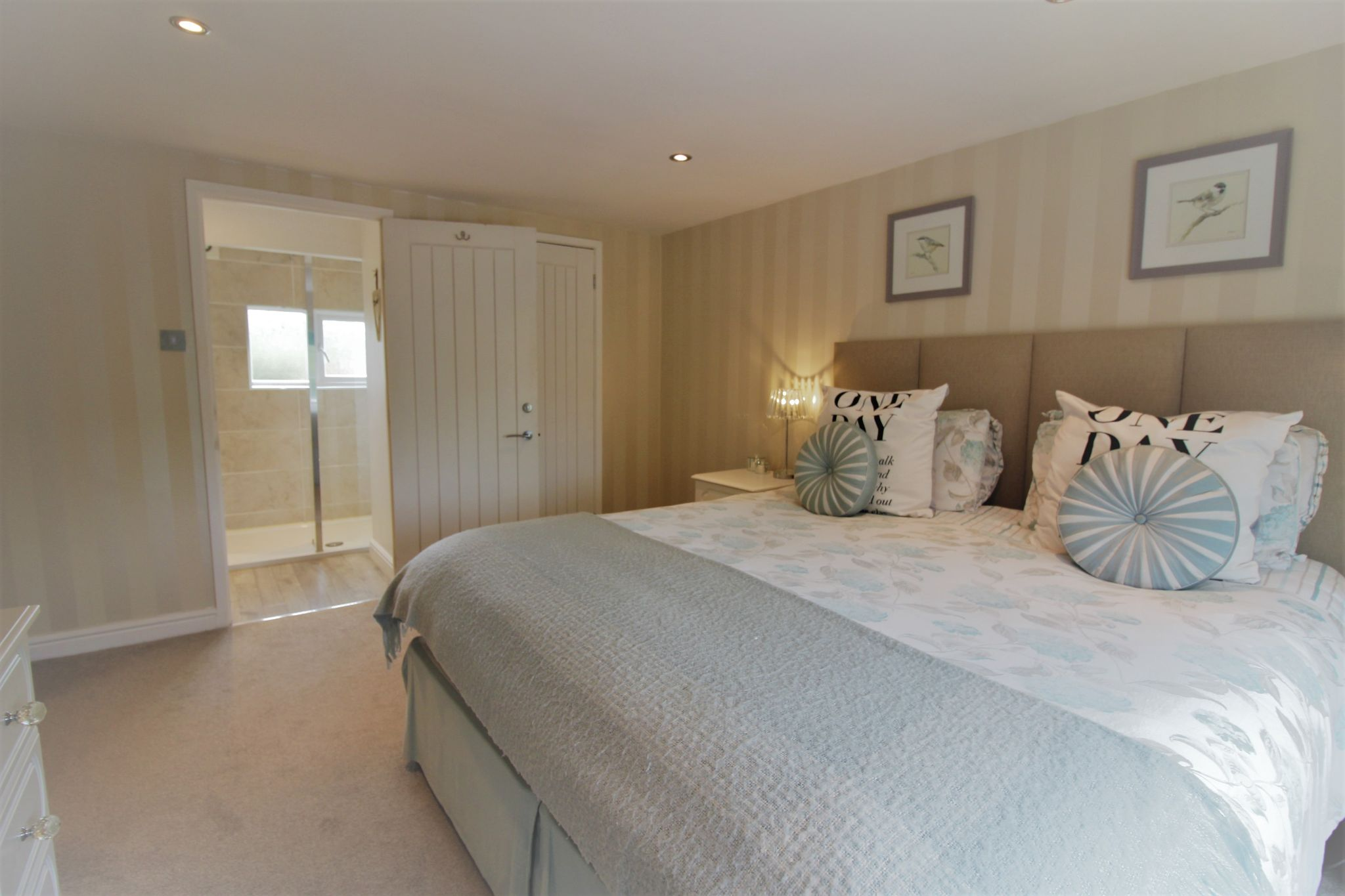 4 bedroom semi-detached house SSTC in Solihull - Photograph 13.