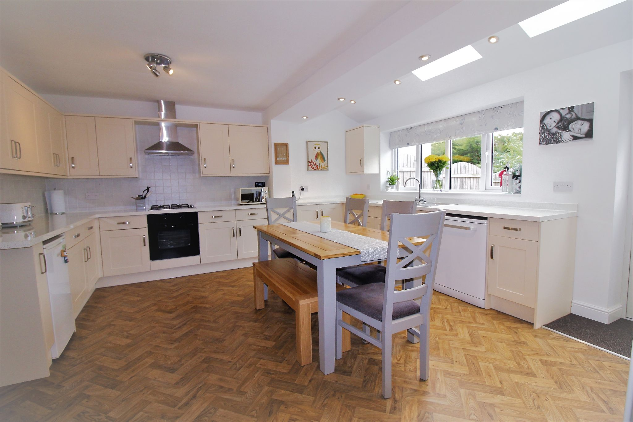 4 bedroom semi-detached house SSTC in Solihull - Photograph 2.