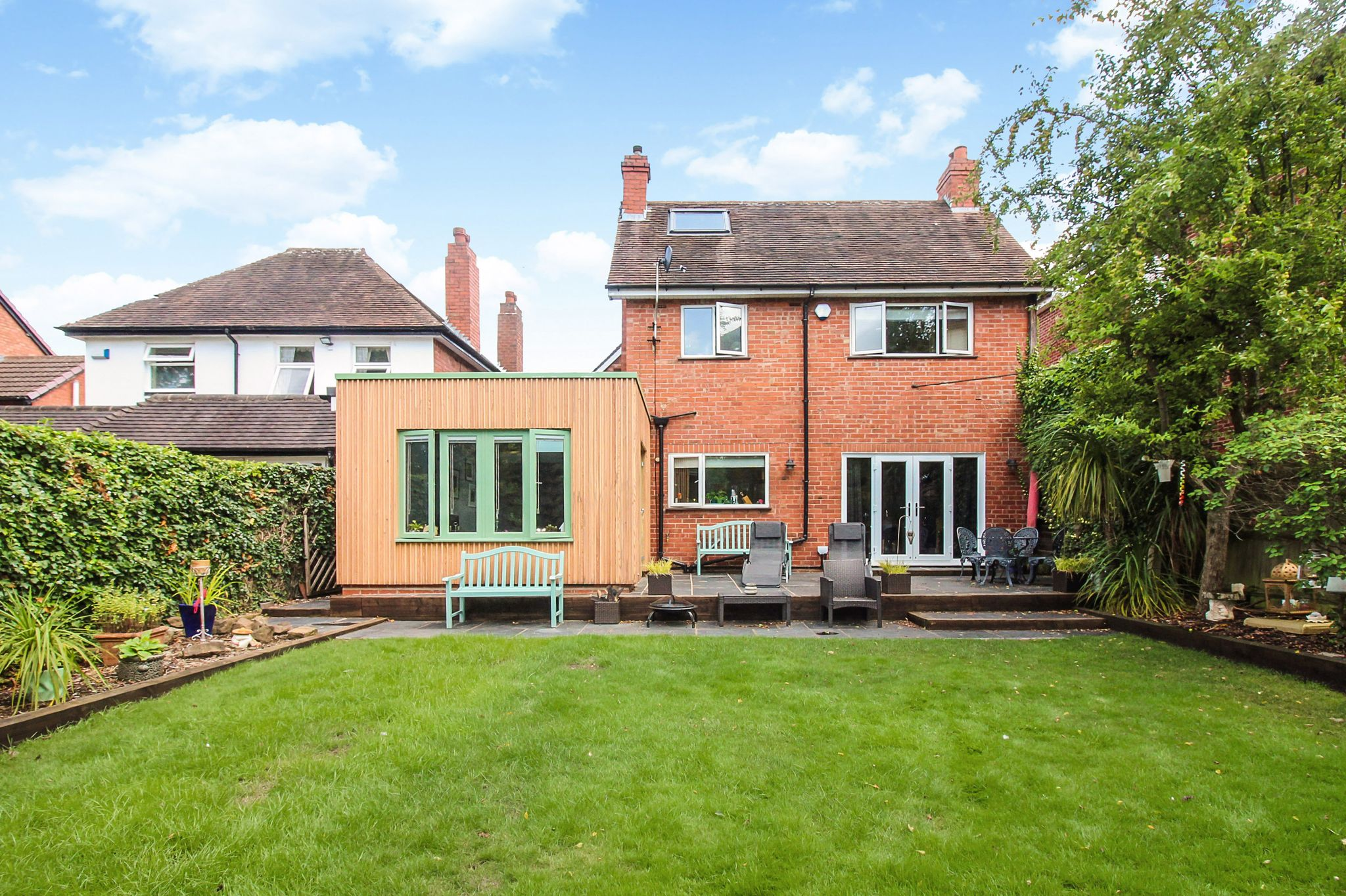 4 bedroom detached house For Sale in Solihull - Photograph 19.