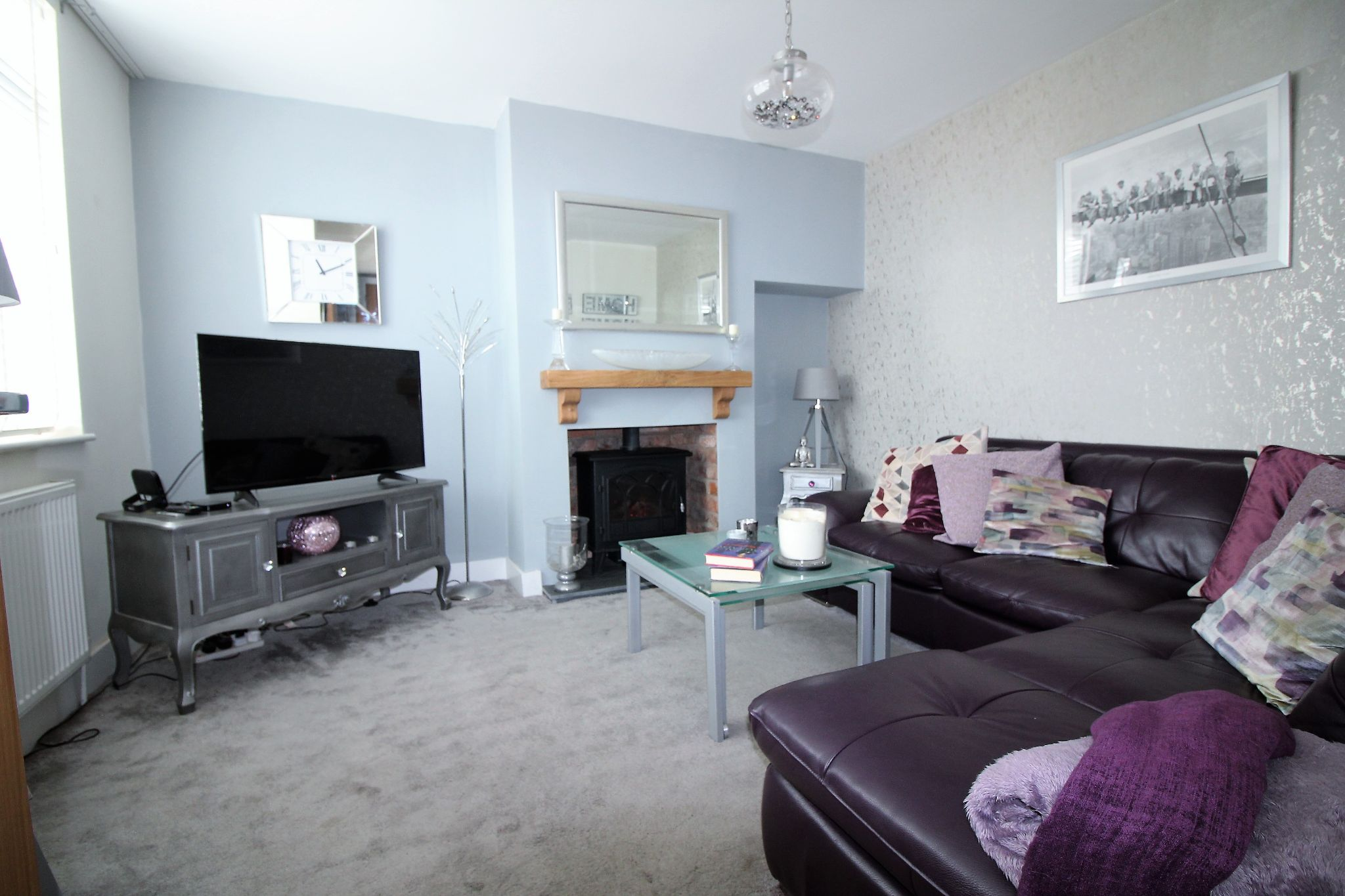 2 bedroom end terraced house For Sale in Solihull - Photograph 2.