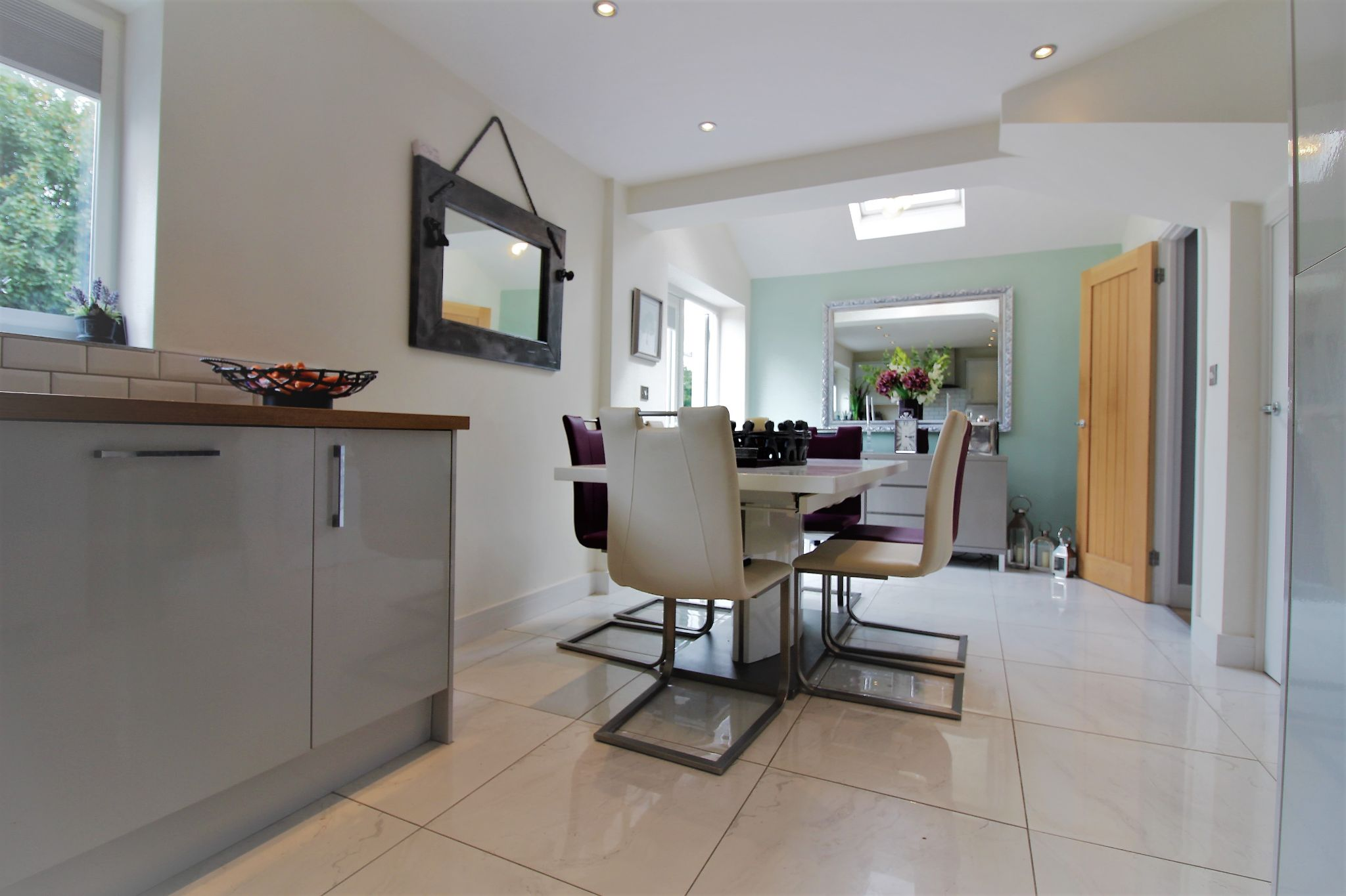 2 bedroom end terraced house For Sale in Solihull - Photograph 5.