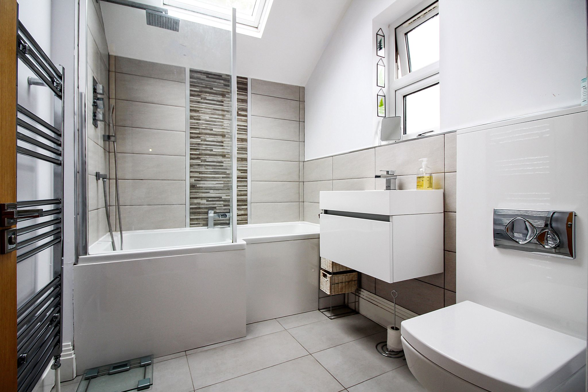 2 bedroom end terraced house For Sale in Solihull - Photograph 8.