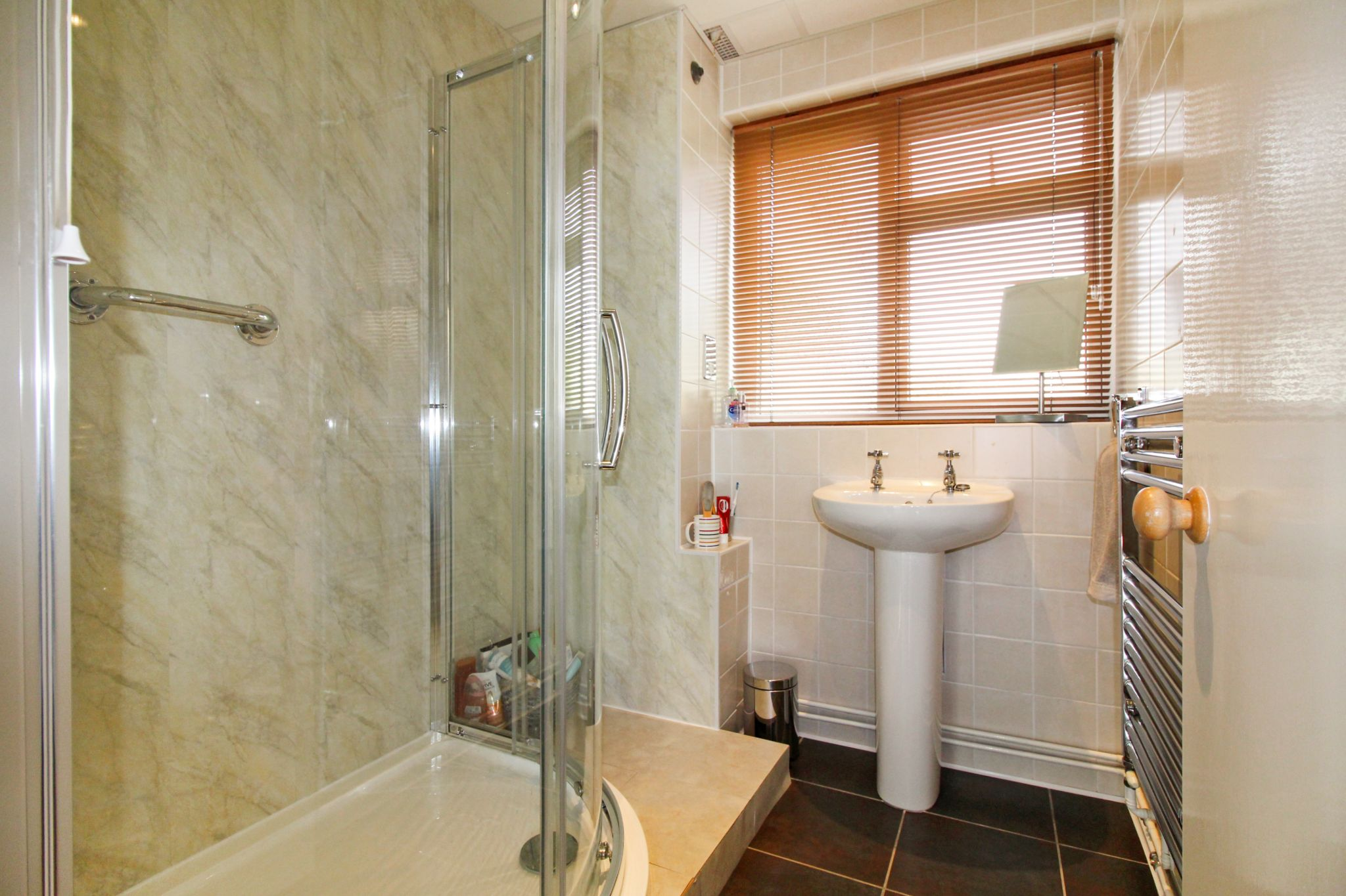 2 bedroom ground floor flat/apartment For Sale in Solihull - Photograph 10.