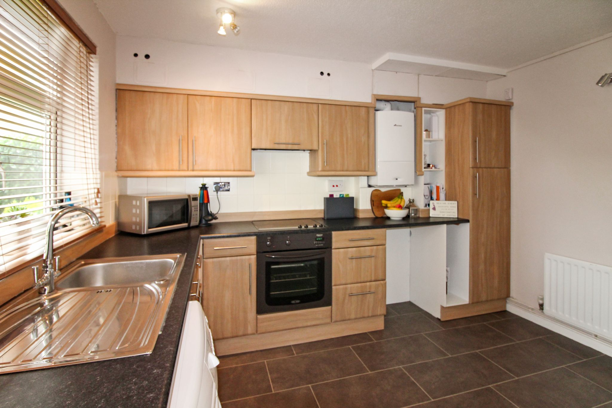 2 bedroom ground floor flat/apartment For Sale in Solihull - Photograph 4.