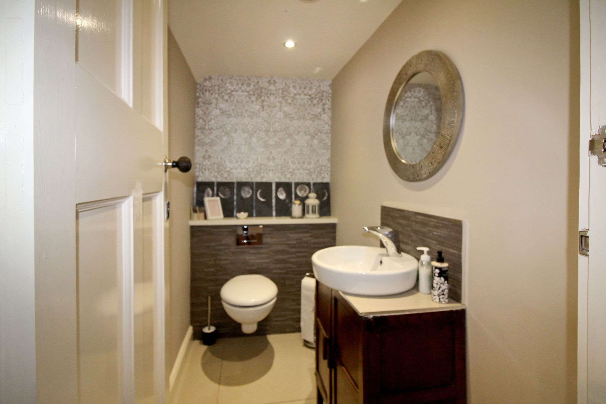 5 bedroom detached house For Sale in Solihull - Photograph 10.