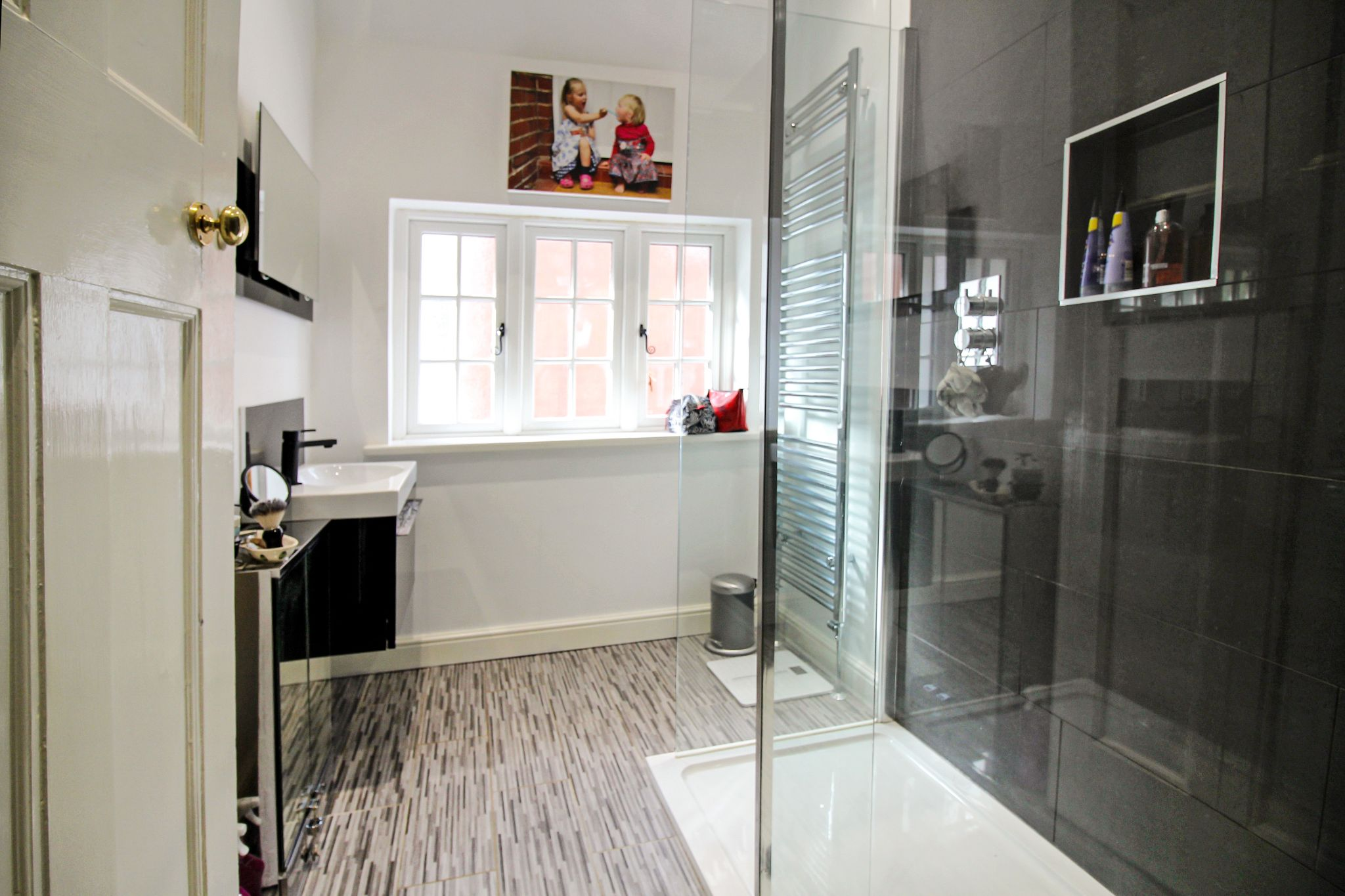 5 bedroom detached house For Sale in Solihull - Photograph 14.