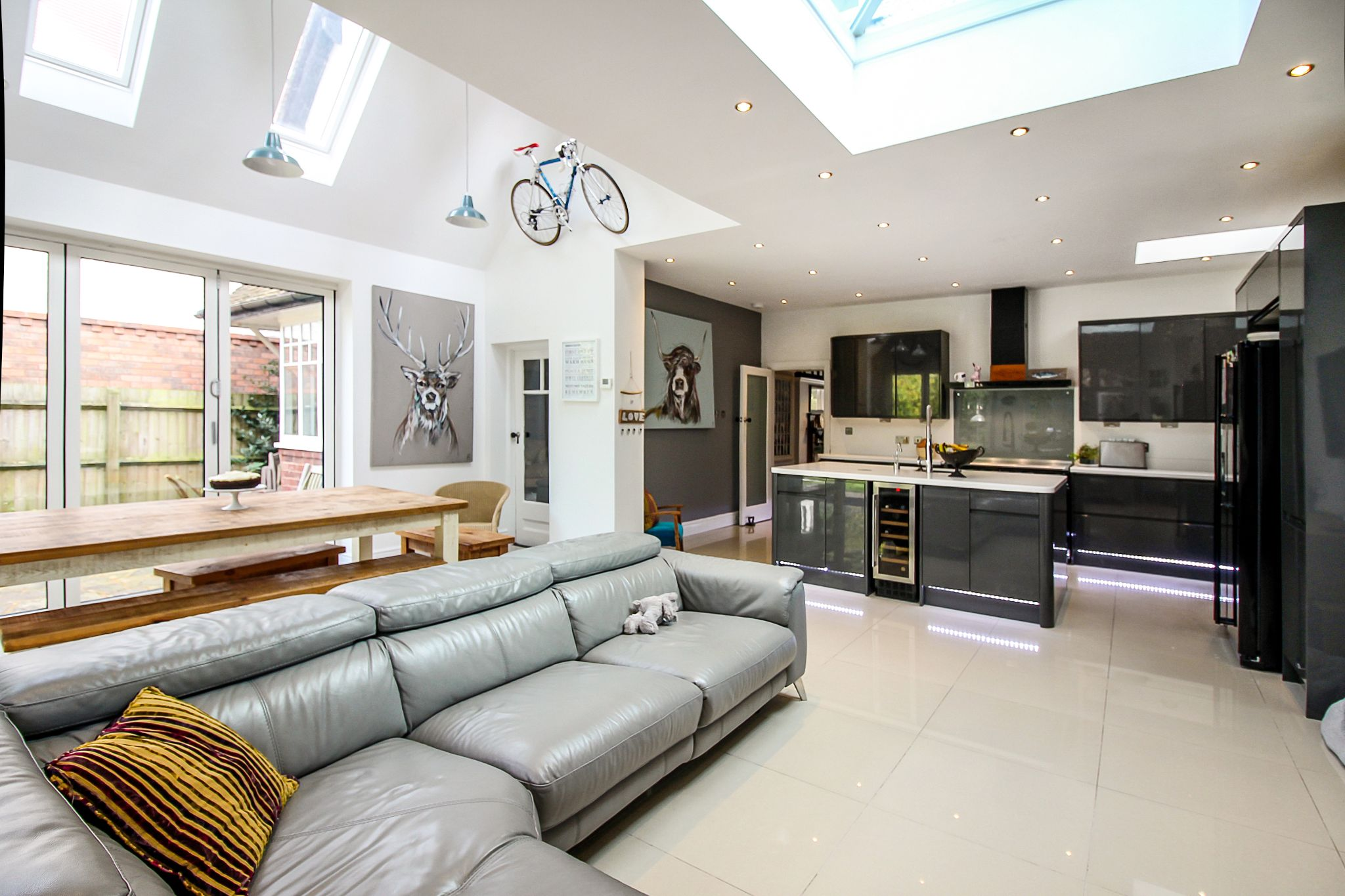 5 bedroom detached house For Sale in Solihull - Photograph 5.