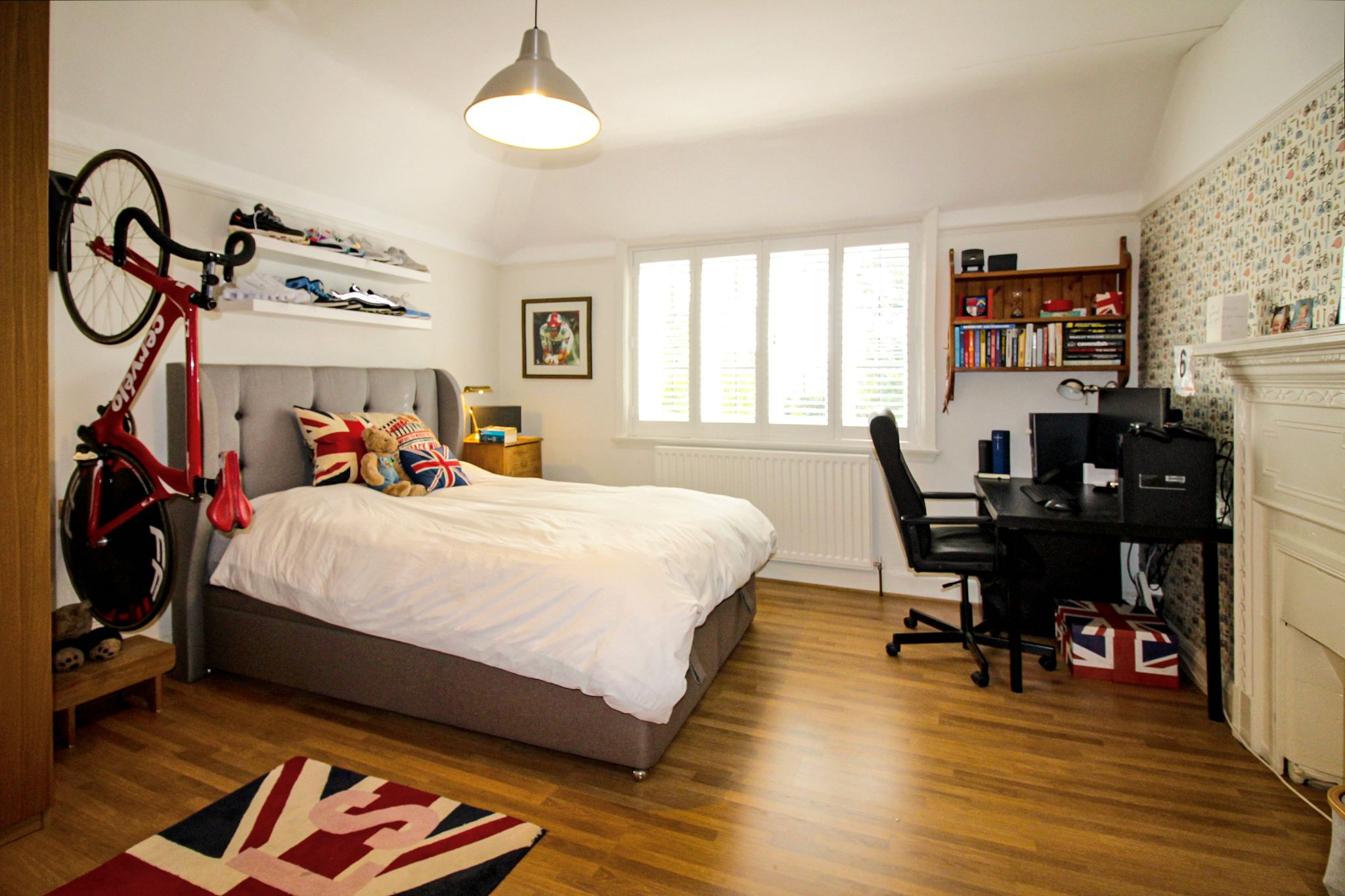 5 bedroom detached house For Sale in Solihull - Photograph 13.