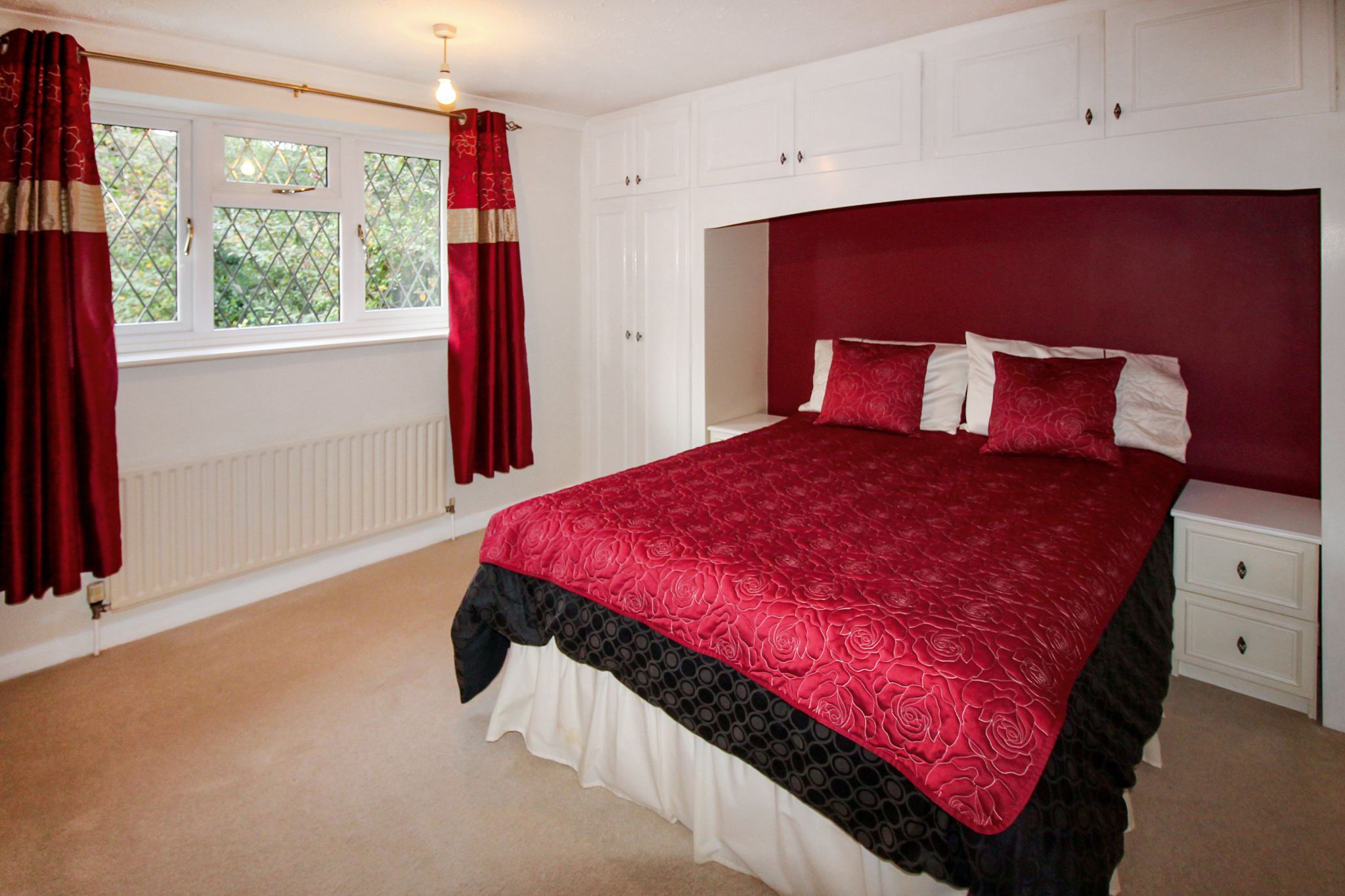4 bedroom detached house SSTC in Solihull - Photograph 10.