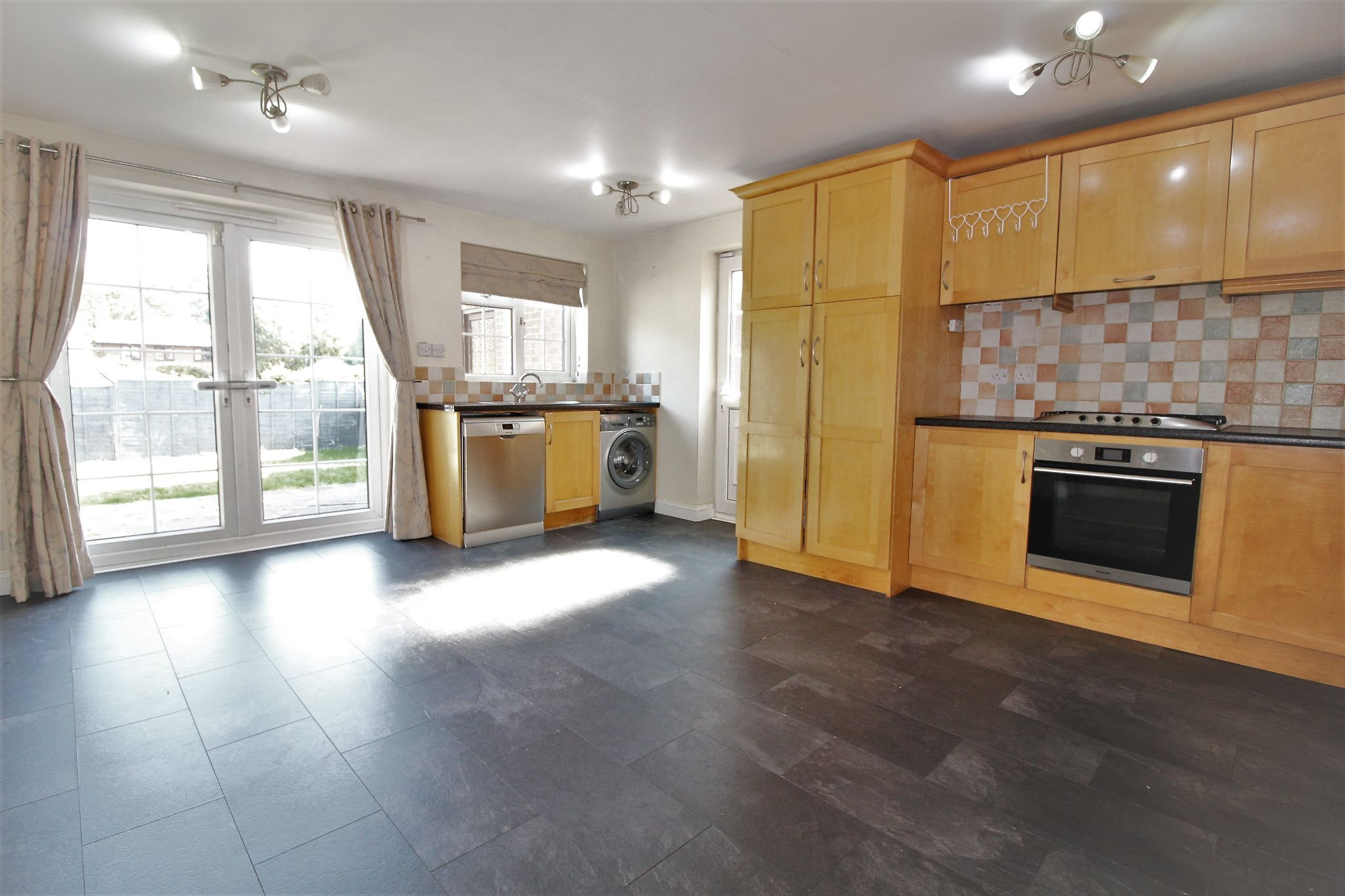 3 bedroom semi-detached house Let Agreed in Solihull - Photograph 3.