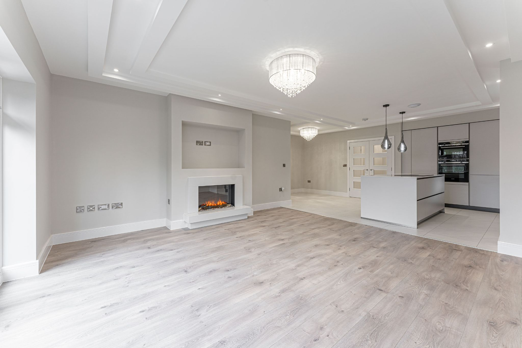 2 bedroom apartment flat/apartment SSTC in Solihull - Photograph 5.