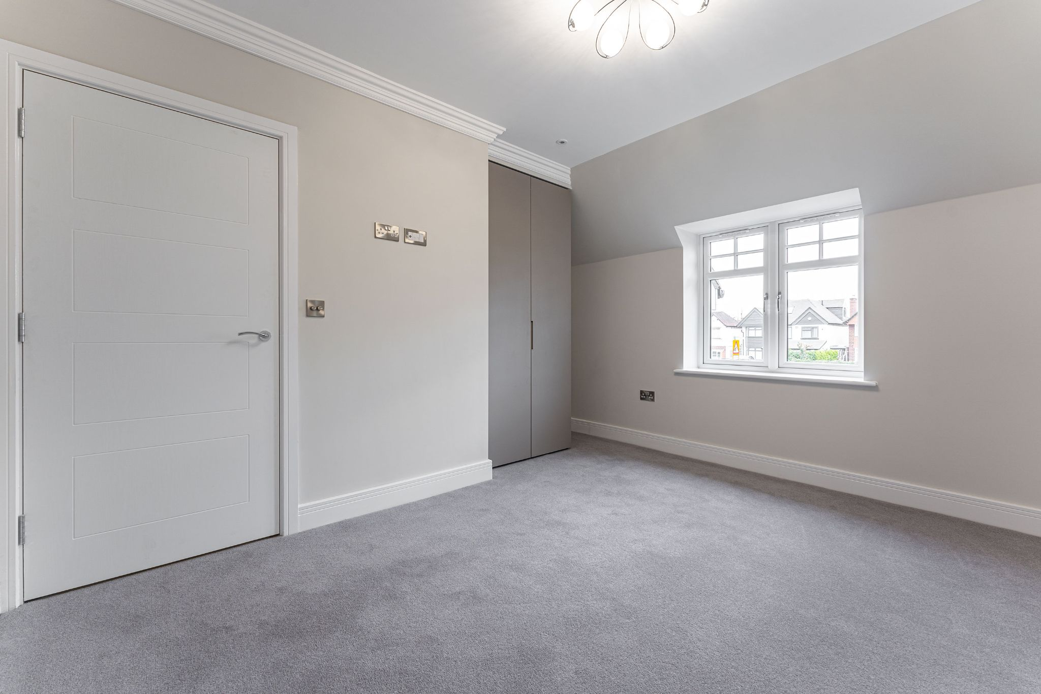 2 bedroom apartment flat/apartment SSTC in Solihull - Photograph 19.