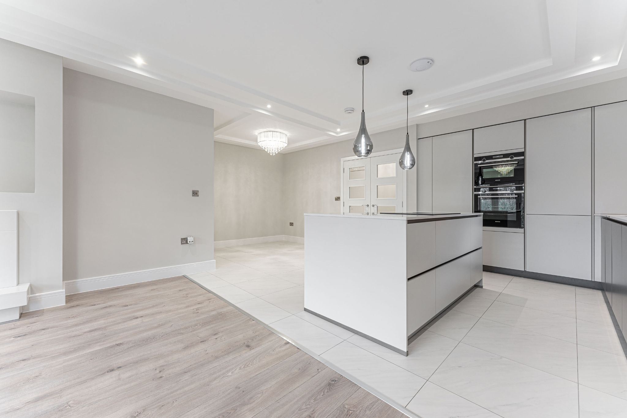 2 bedroom apartment flat/apartment SSTC in Solihull - Photograph 8.