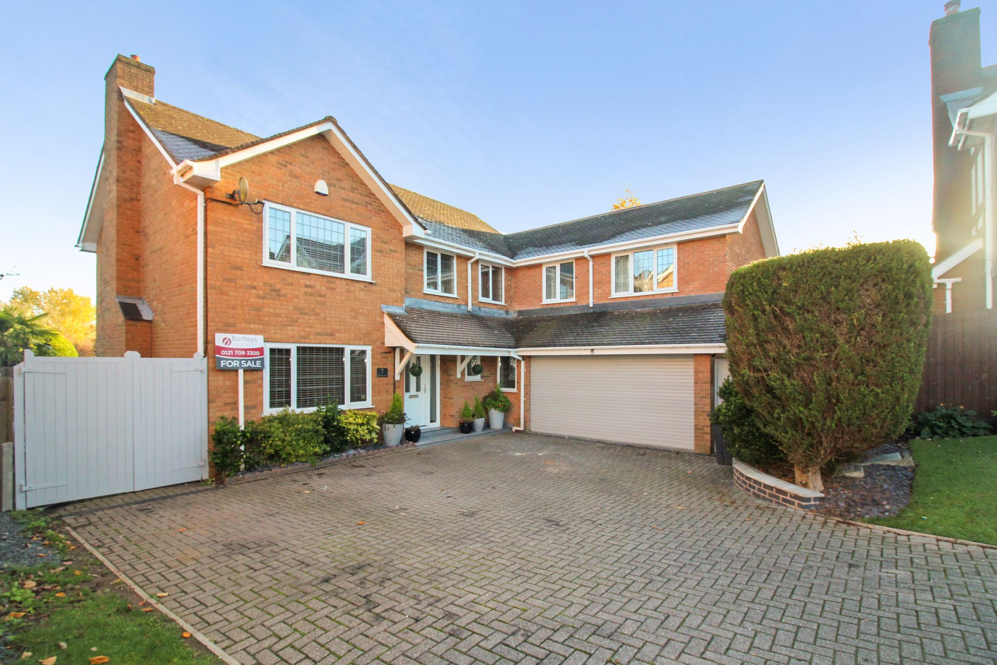 6 bedroom detached house SSTC in Solihull - Photograph 1.