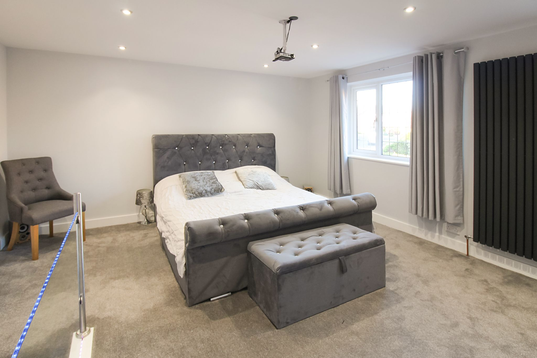 6 bedroom detached house SSTC in Solihull - Photograph 12.