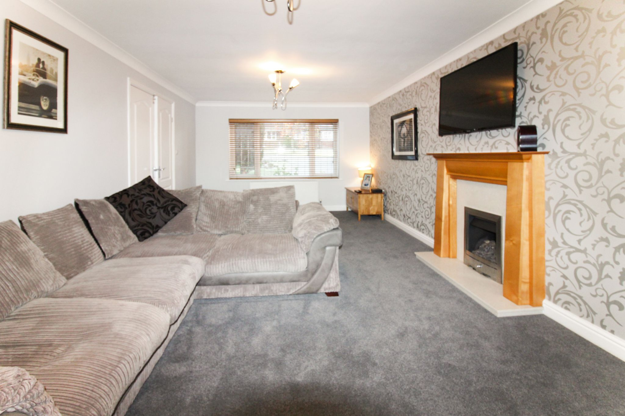 6 bedroom detached house SSTC in Solihull - Photograph 5.