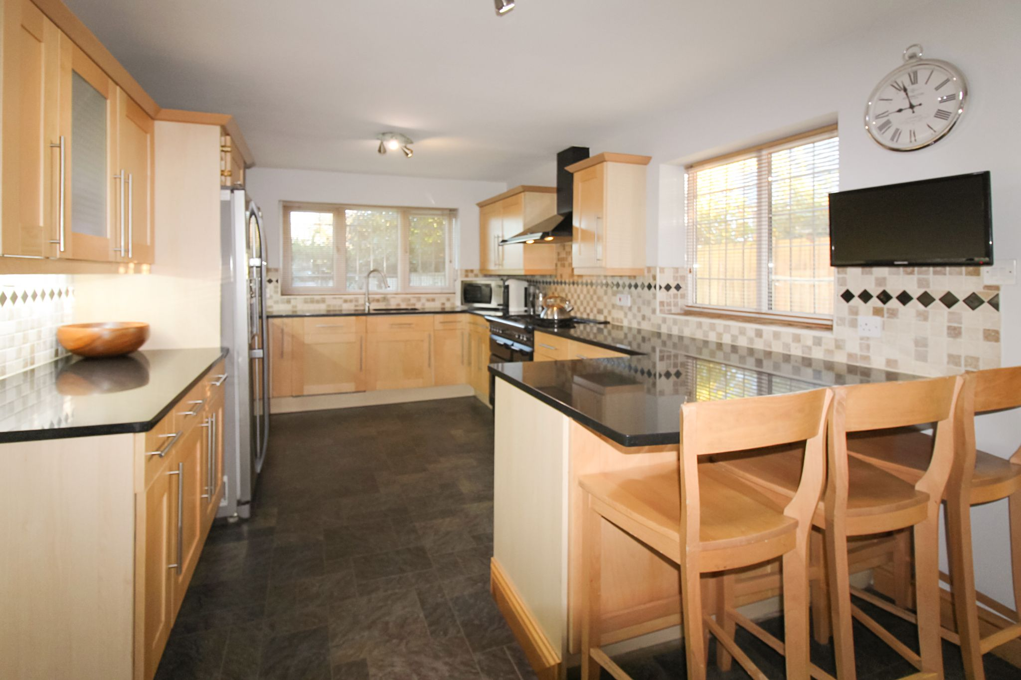 6 bedroom detached house SSTC in Solihull - Photograph 7.