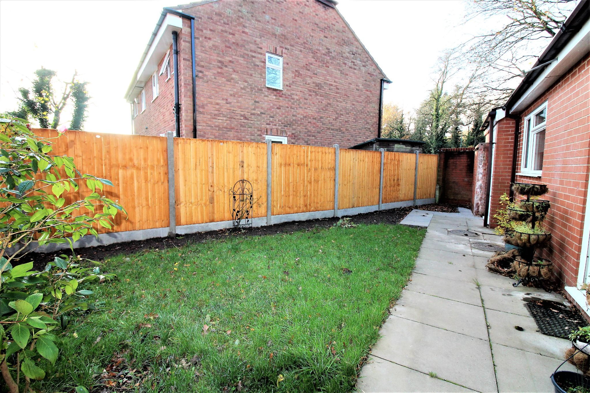 3 bedroom semi-detached house Let Agreed in Solihull - Photograph 8.