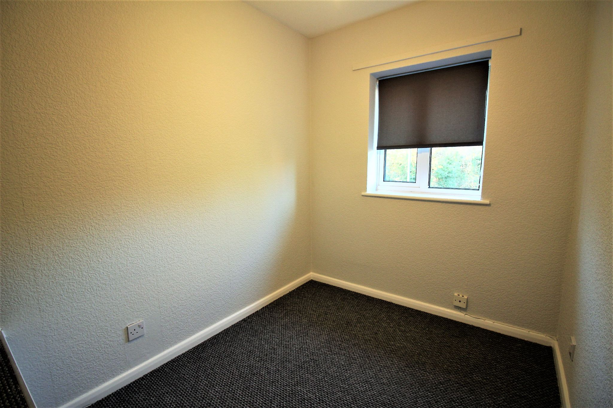 3 bedroom semi-detached house Let Agreed in Solihull - Photograph 11.