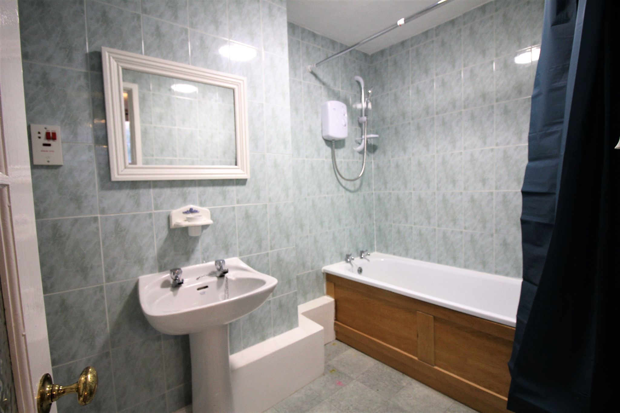 1 bedroom apartment flat/apartment For Sale in Malvern Hills - Photograph 8.