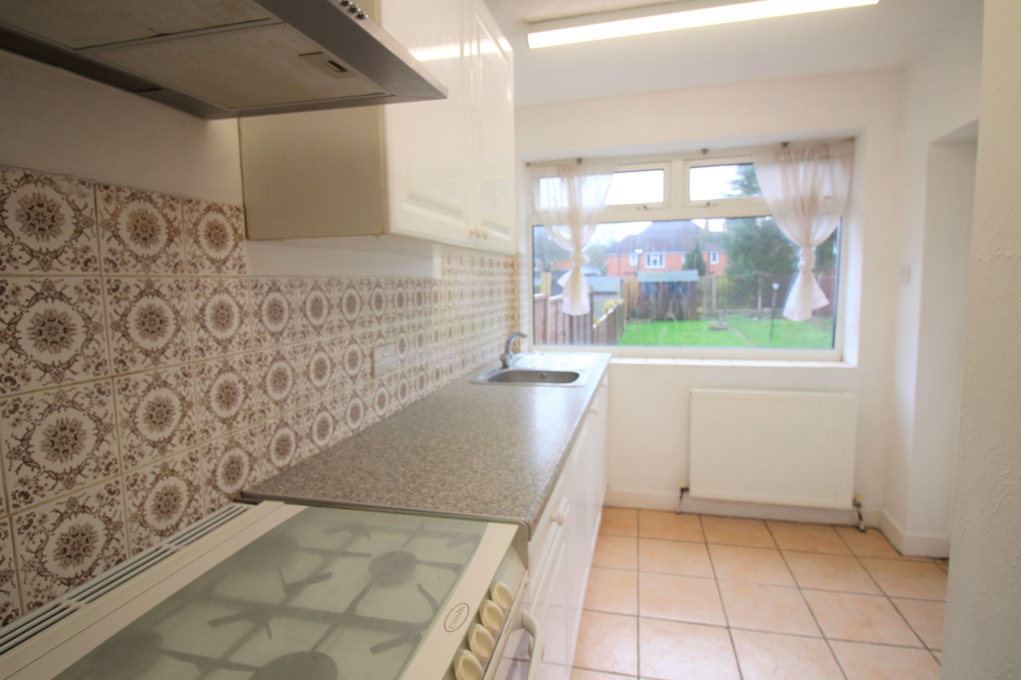 3 bedroom semi-detached house Let Agreed in Solihull - Photograph 4.
