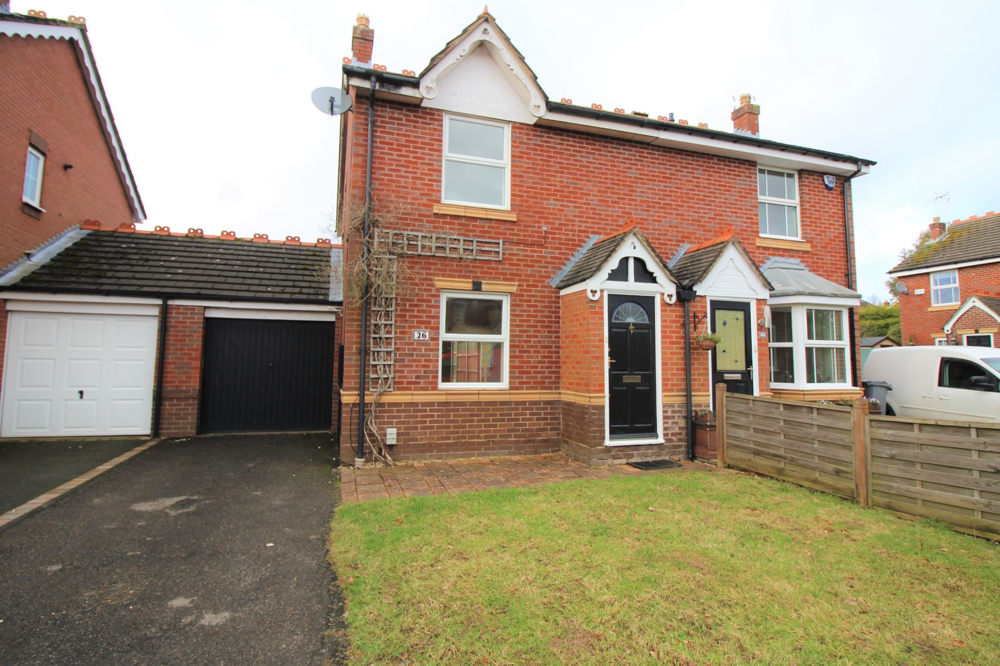 3 bedroom semi-detached house Let Agreed in Solihull - Photograph 1.