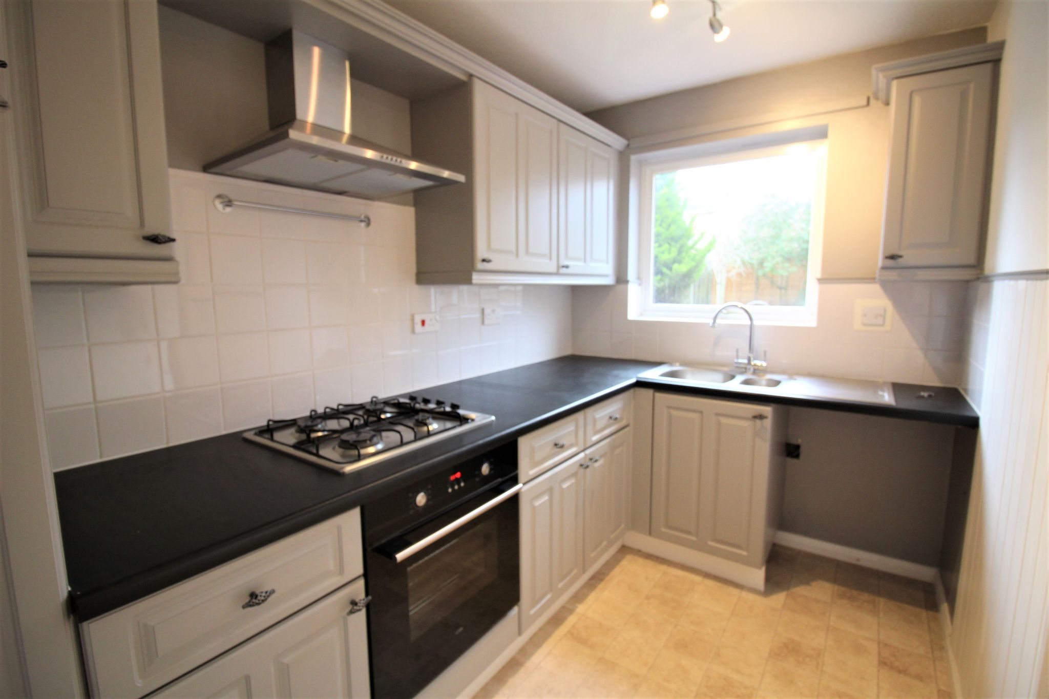 3 bedroom semi-detached house Let Agreed in Solihull - Photograph 5.