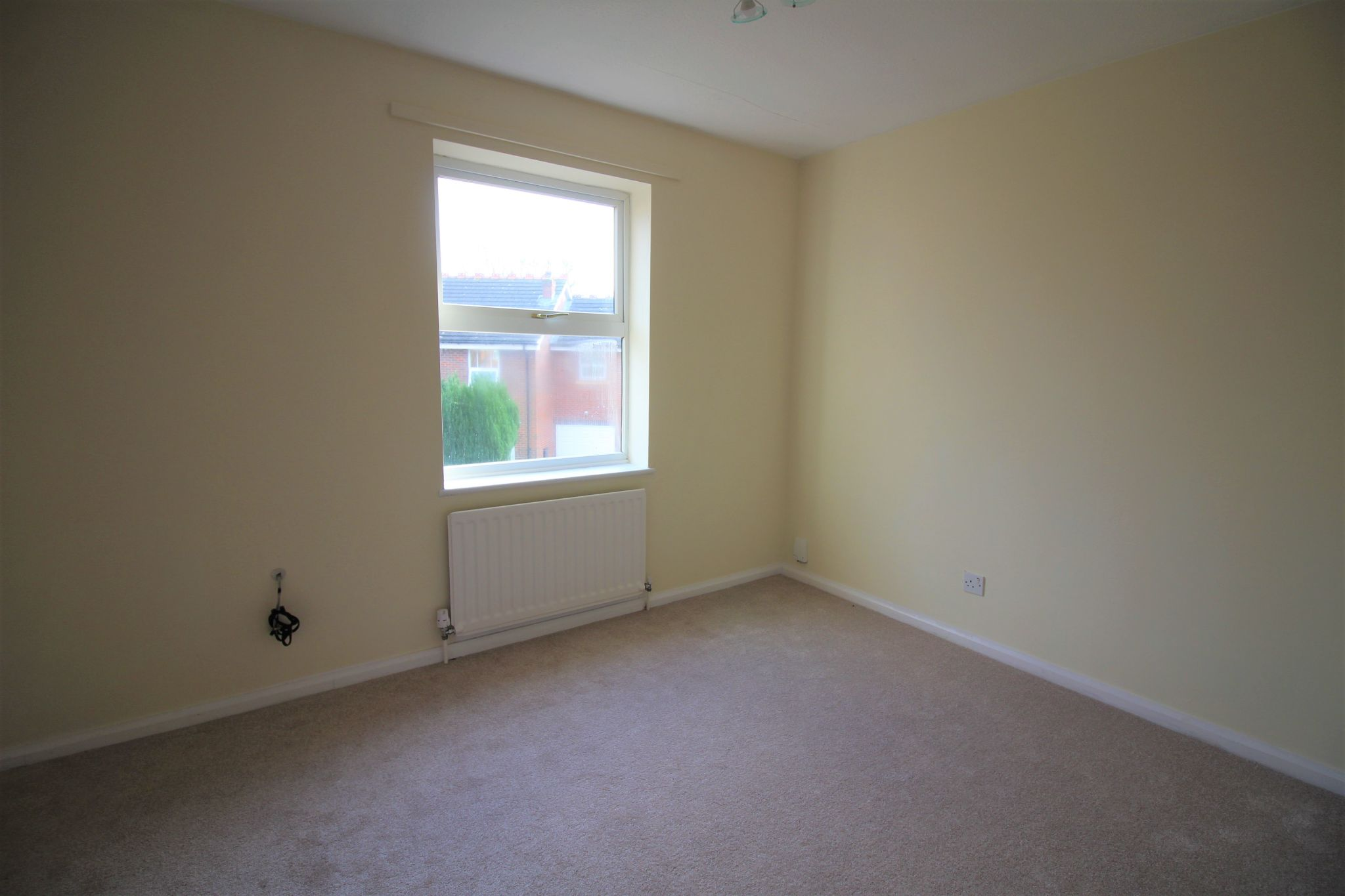 3 bedroom semi-detached house Let Agreed in Solihull - Photograph 9.